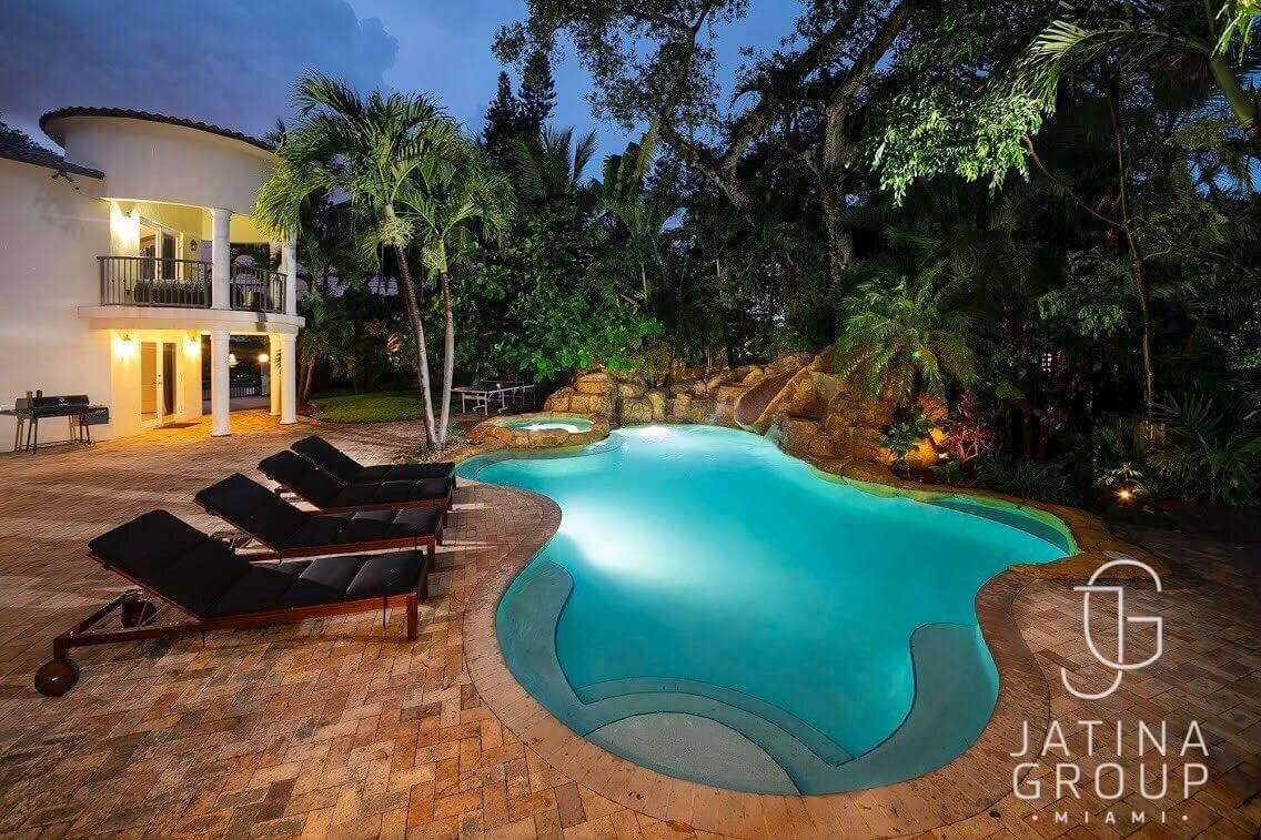 Cozy house in Miami with Parking, Washing machi... Slide-3
