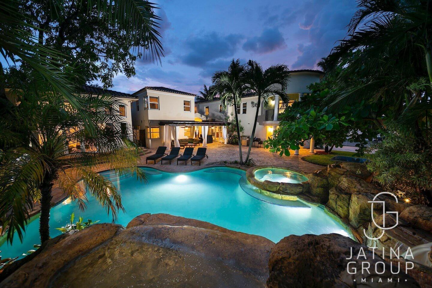 Cozy house in Miami with Parking, Washing machi... Slide-1