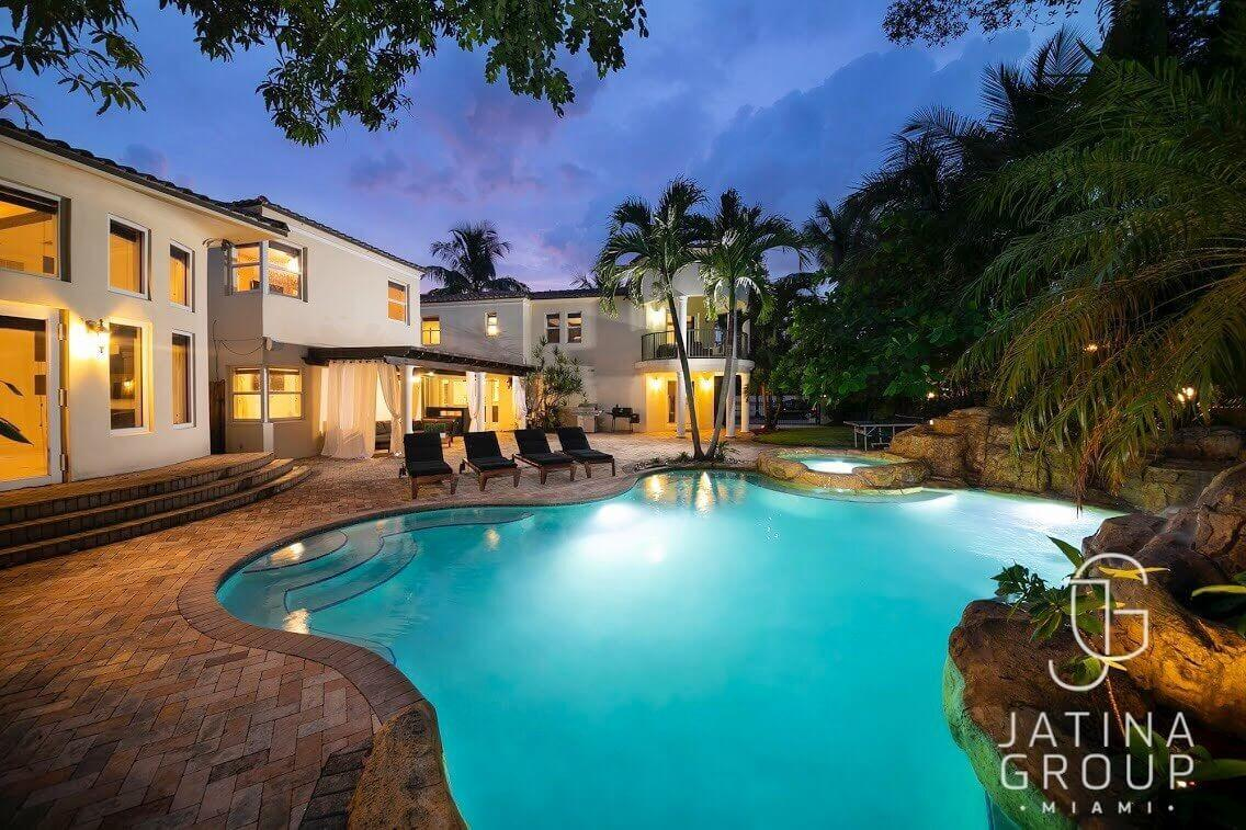 Cozy house in Miami with Parking, Washing machi... Slide-2