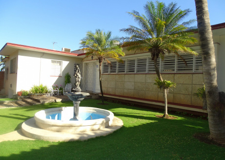 Cozy apartment in Havana with Parking, Washing machine, Air conditioning, Pool