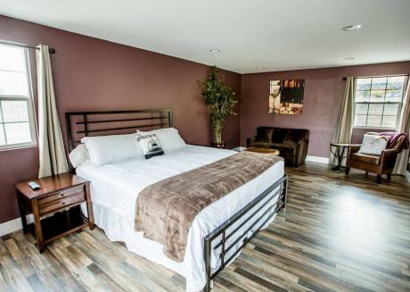 Wine Suite at Rellik House. Winery & Alpaca Farm