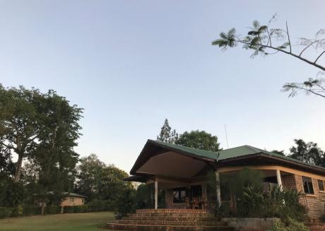 The Farm Cottage, apt. 1 - peaceful countryside accommodation, Mukono