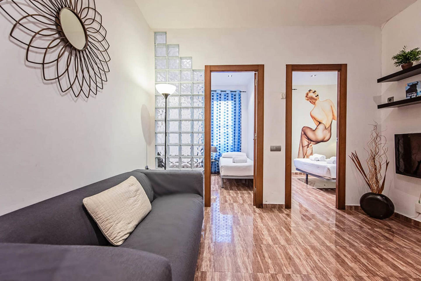 Spacious apartment in Barcelona with Lift, Inte... Slide-1