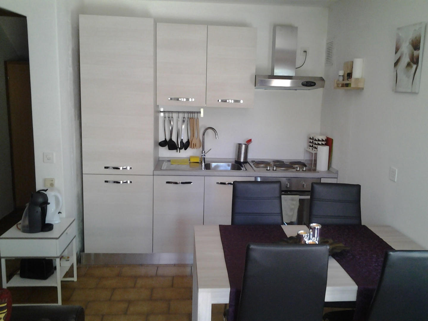 Apartment with a beautiful garden 3 km from the... Slide-3