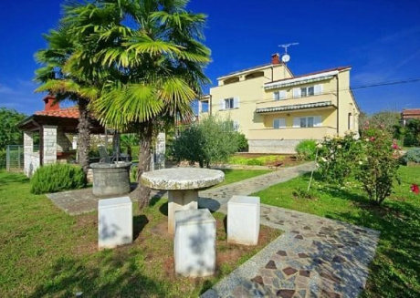 Cozy apartment close to the center of Poreč with Parking, Internet, Air conditioning