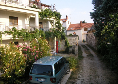 Cozy apartment in the center of Funtana with Parking, Internet