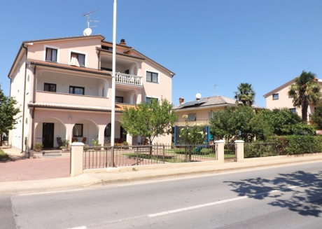 Cozy apartment in the center of Umag with Parking, Internet, Washing machine
