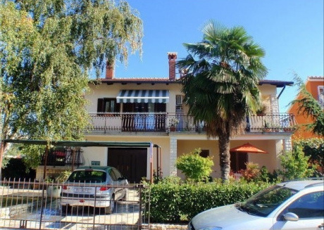 Cozy apartment very close to the centre of Novigrad with Parking, Internet, Air conditioning, Terrace
