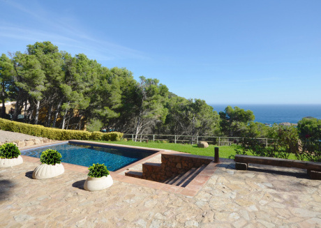 Cozy house in Begur with Parking, Washing machine, Pool, Garden