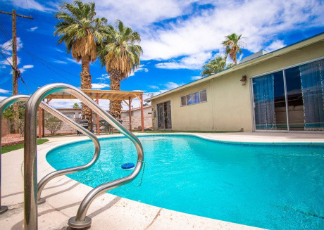 Cozy house in Las Vegas with Parking, Internet, Washing machine, Air conditioning