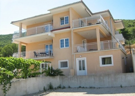 Cozy apartment very close to the centre of Grebaštica with Parking, Internet, Air conditioning