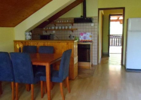 Cozy apartment in the center of Oštarski Stanovi with Parking, Internet, Air conditioning, Terrace