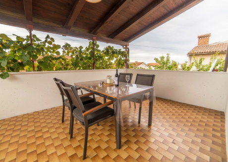 Cozy apartment very close to the centre of Poreč with Parking, Internet, Terrace