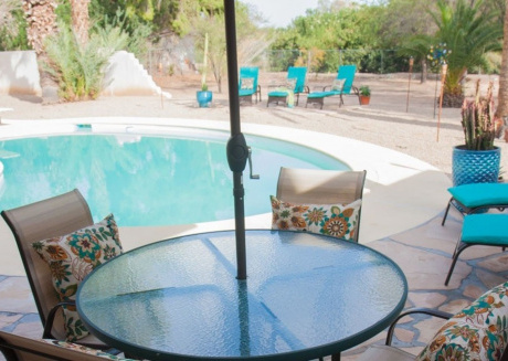 Cozy house close to the center of Paradise Valley with Parking, Washing machine, Air conditioning