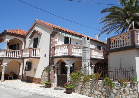 Cozy apartment in Privlaka with Parking, Internet, Air conditioning, Terrace