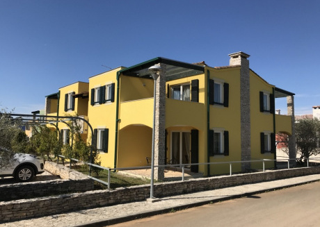 Cozy apartment in the center of Bašanija with Parking, Internet, Air conditioning