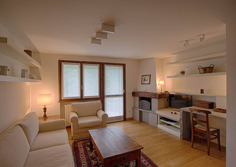 Spacious apartment in the center of Courmayeur with Parking, Internet, Washing machine, Garden
