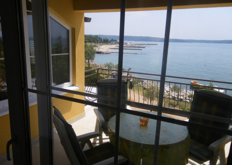 Cozy apartment in the center of Novigrad with Parking, Internet, Air conditioning