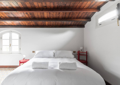 Cozy aparthotel close to the center of Como with Lift, Parking, Internet, Air conditioning