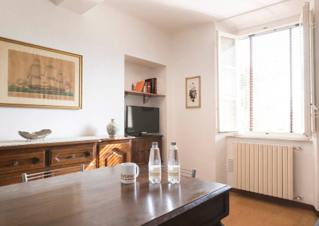 Spacious apartment very close to the centre of Lucca with Internet, Washing machine