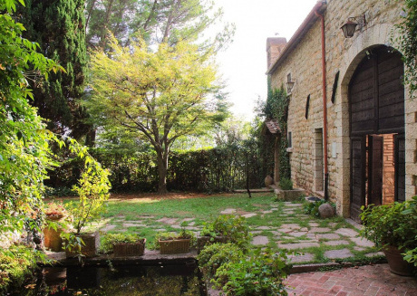 Spacious apartment close to the center of Assisi with Parking, Internet, Washing machine, Garden