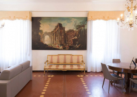 Spacious house very close to the centre of Lucca with Internet, Washing machine, Air conditioning