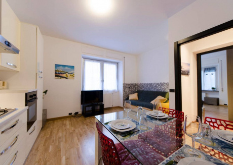 Spacious apartment close to the center of Genoa with Internet
