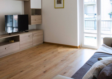 Spacious apartment in Como with Parking, Internet, Washing machine
