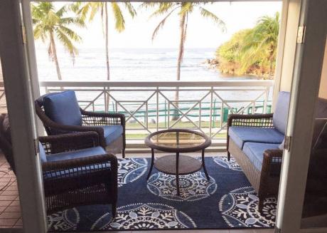 Villa Bella Mar, true beachfront resort living!