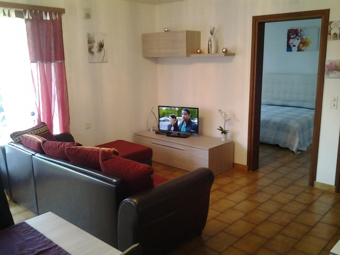 Spacious apartment in the center of Gambarogno ... Slide-1