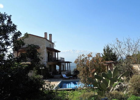 Spacious house in the center of Plaka with Internet, Washing machine, Pool, Balcony