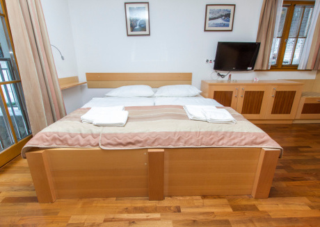 Cosy studio very close to the centre of Hočko Pohorje with Lift, Internet, Balcony