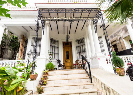 Cozy house in Havana with Parking, Air conditioning, Garden, Terrace