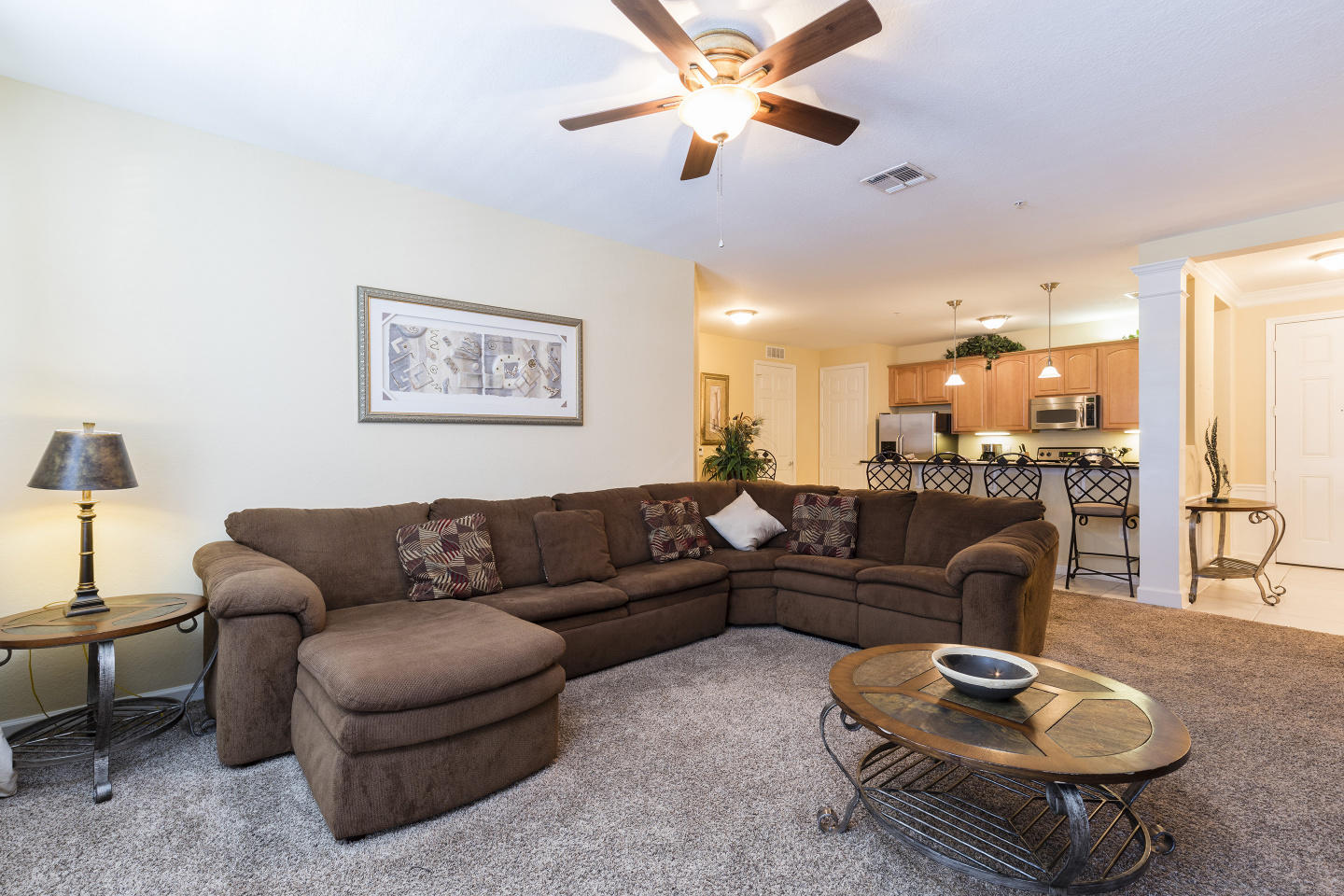 Very Spacious Vacation Apartment (266634) Slide-1