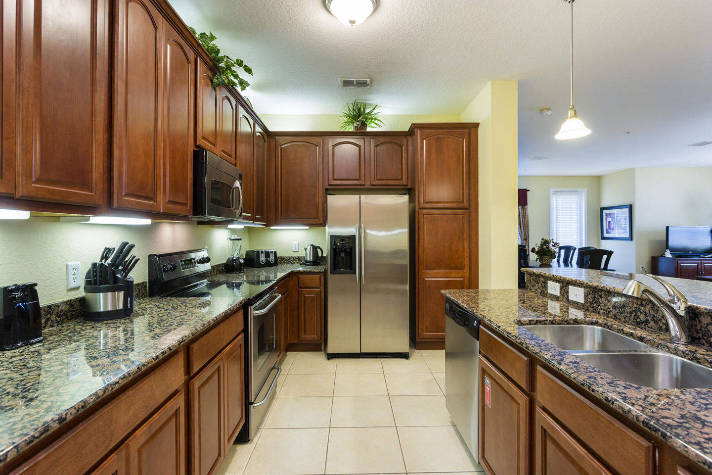 Very Spacious Vacation Apartment (266628) Slide-1