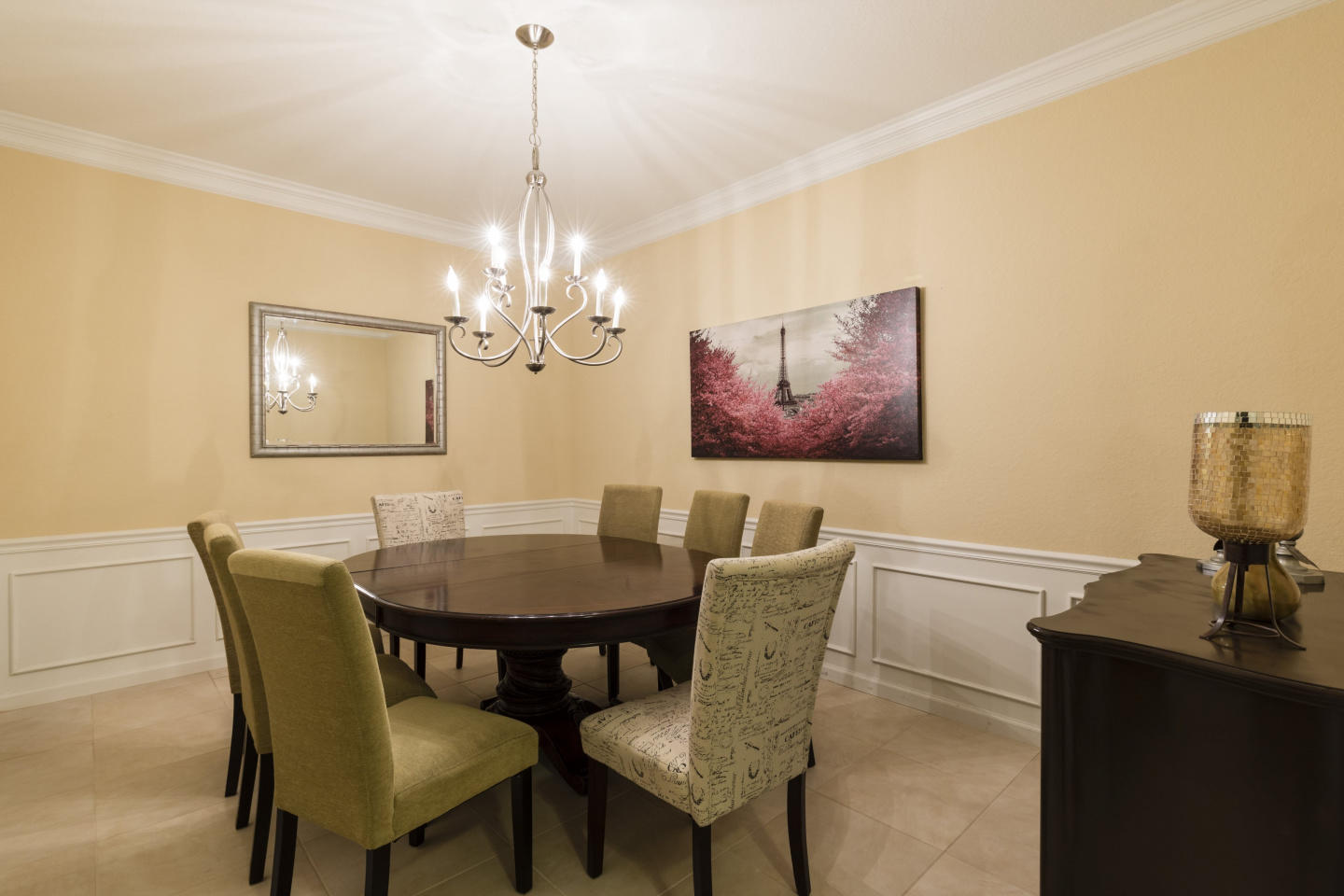 Very Spacious Vacation Apartment (266638) Slide-3