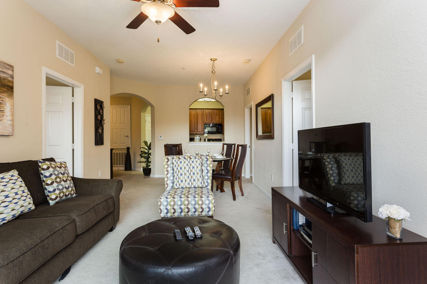 Comfortable Vacation Apartment (266630) Slide-2
