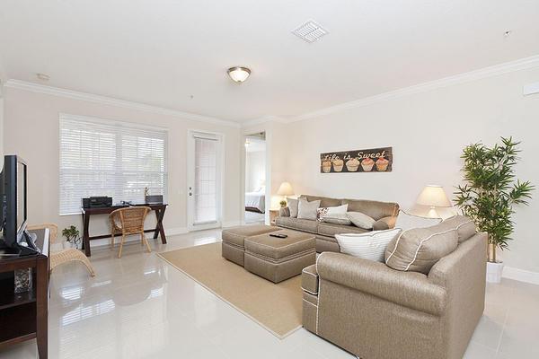 Beautiful Vacation Apartment (266641) Slide-2