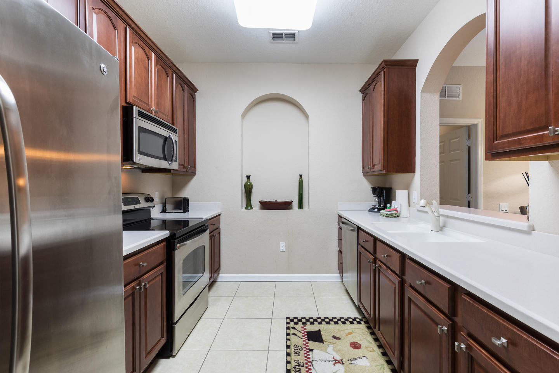 Cozy Vacation Apartment (266625) Slide-2