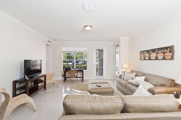 Beautiful Vacation Apartment (266641) Slide-1