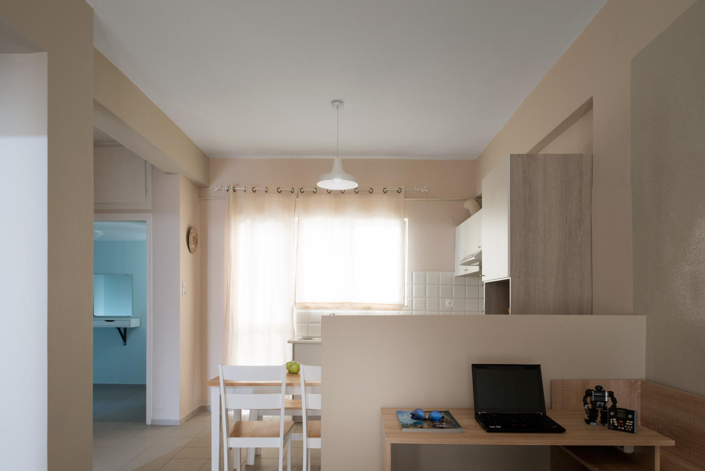 Central Luxury Apartment Slide-4