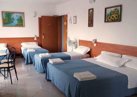 Venice Mestre tourist accommodation, quiet room with wifi and free parking.