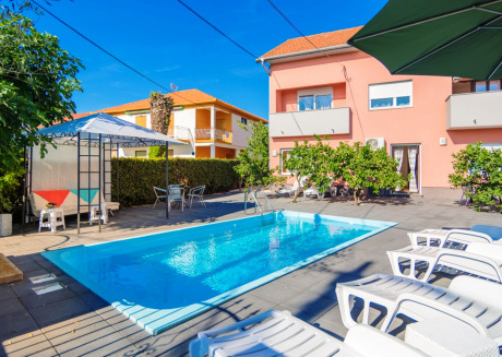 Apartment Fortuna with pool A1 4 pax Zadar Diklo