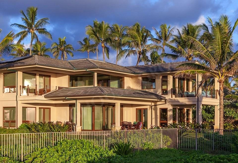Cozy house in the center of Kailua with Parking... Slide-2