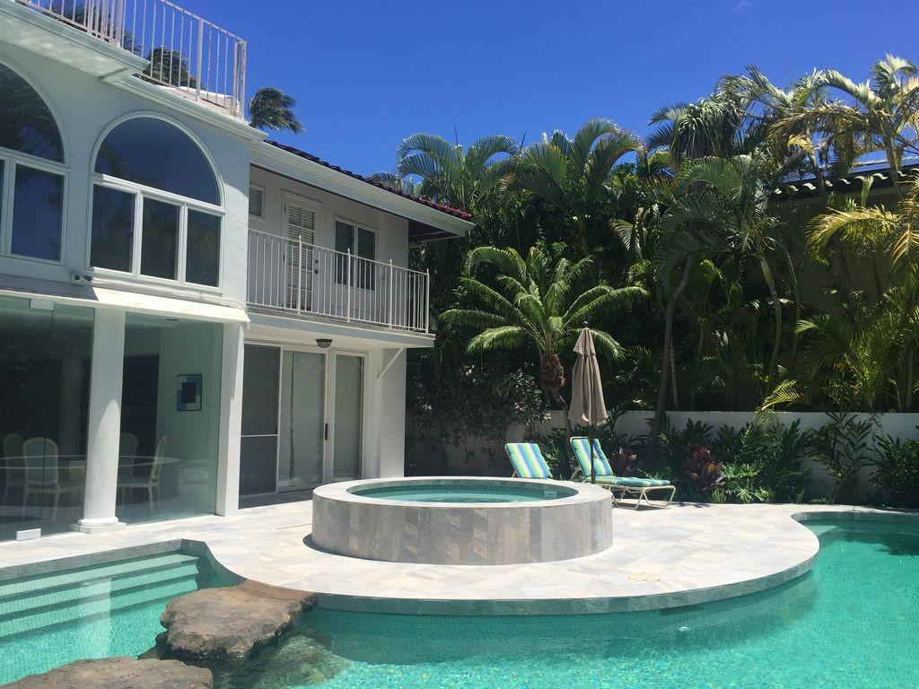 Cozy house in Honolulu with Internet, Air condi... Slide-1