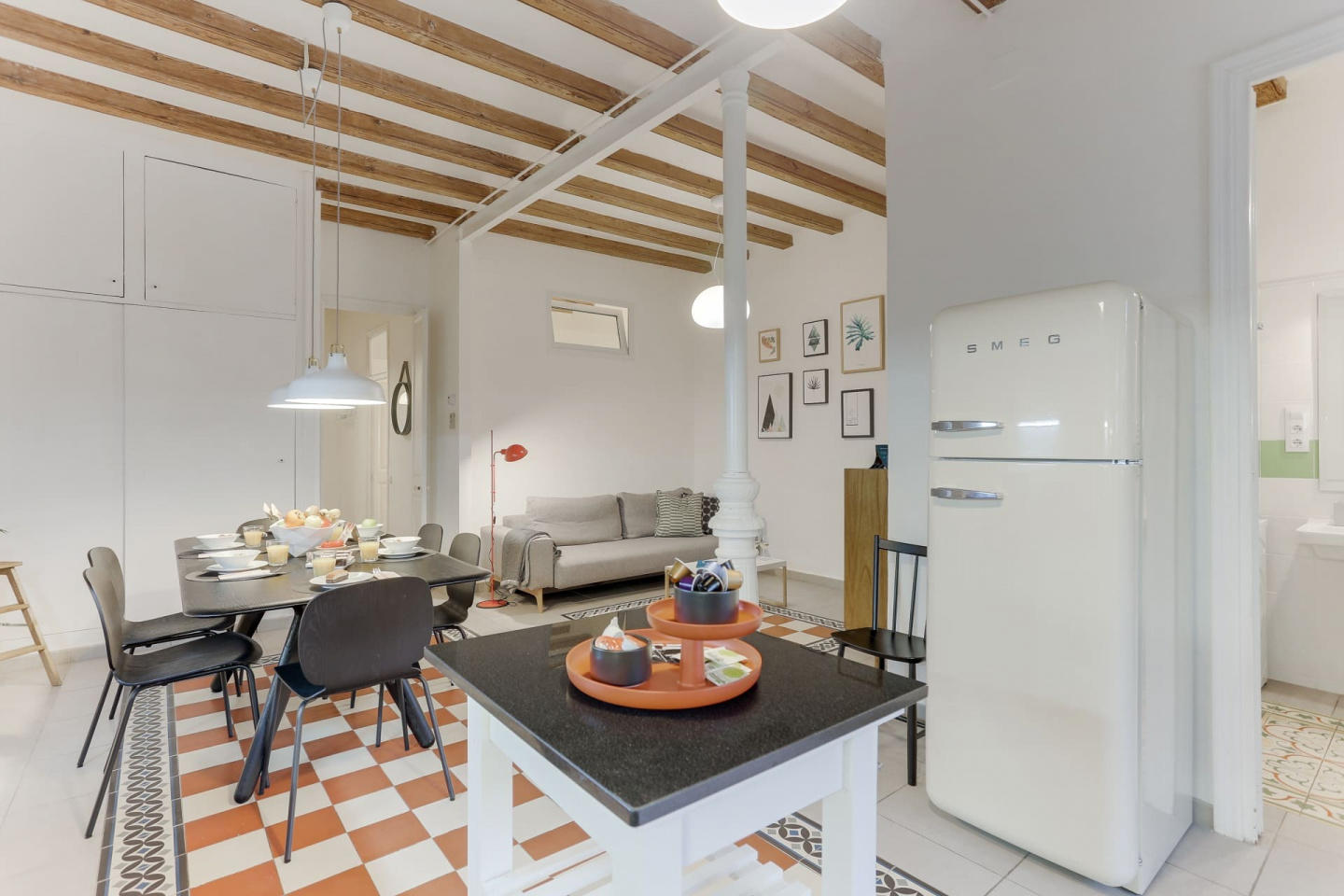 Spacious apartment close to the center of Barce... Slide-2