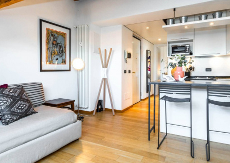 Cozy apartment close to the center of Milan with Lift, Internet, Air conditioning