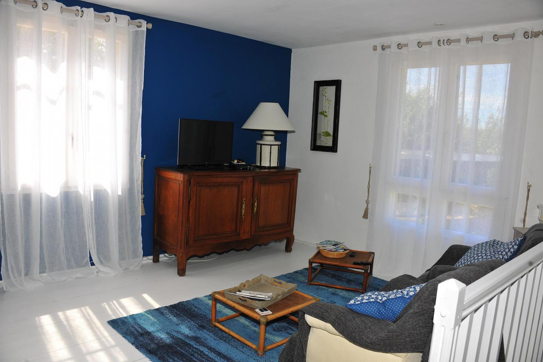 Spacious apartment close to the center of Baron... Slide-3
