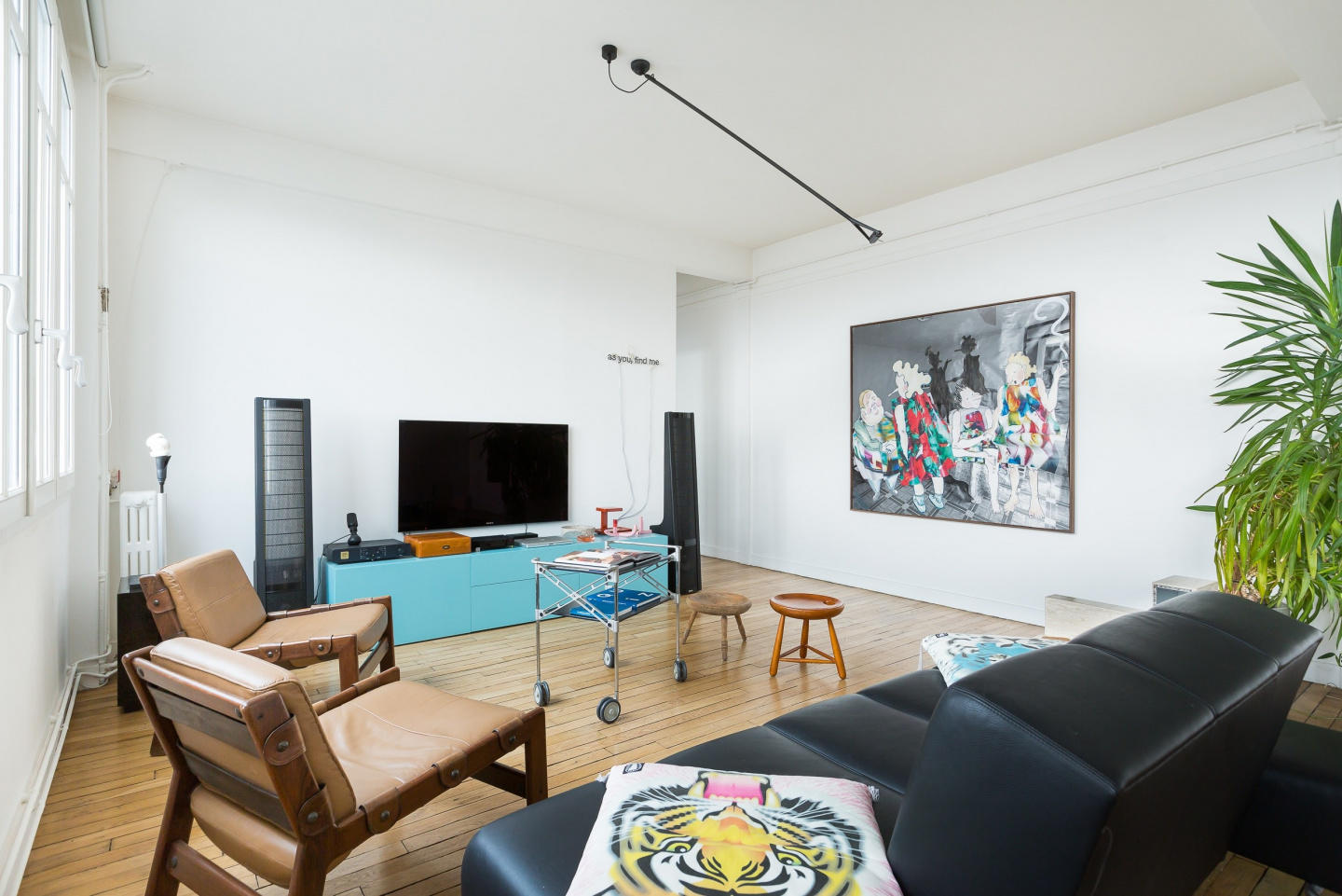 Spacious apartment very close to the centre of ... Slide-2