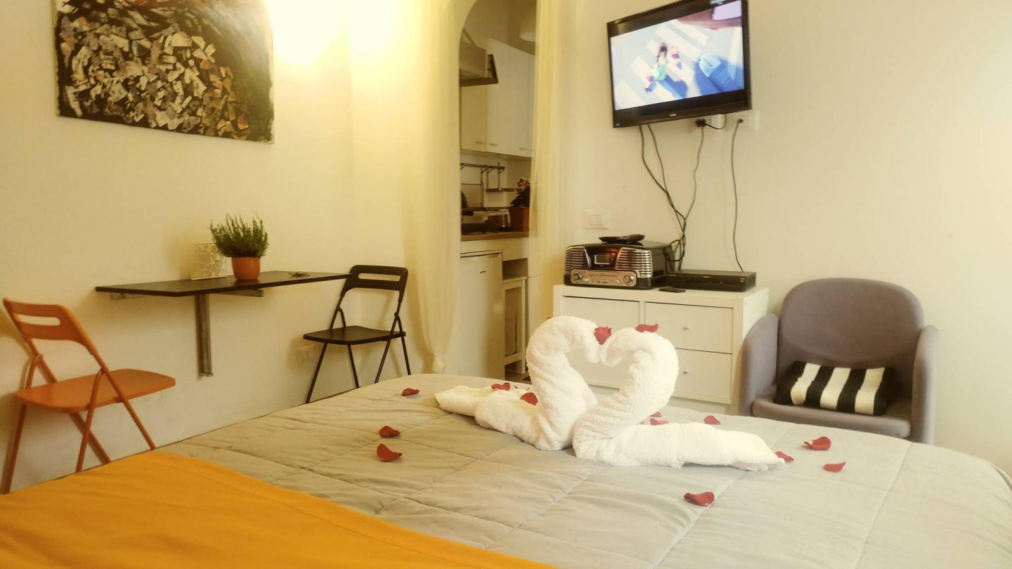Cozy house in Rome with Internet, Washing machi... Slide-2